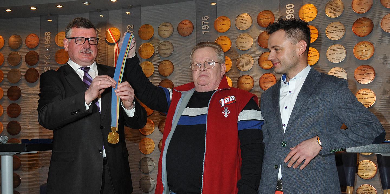 Złoty medal Wojciecha Fortuny w Muzeum Sportu i Turystyki